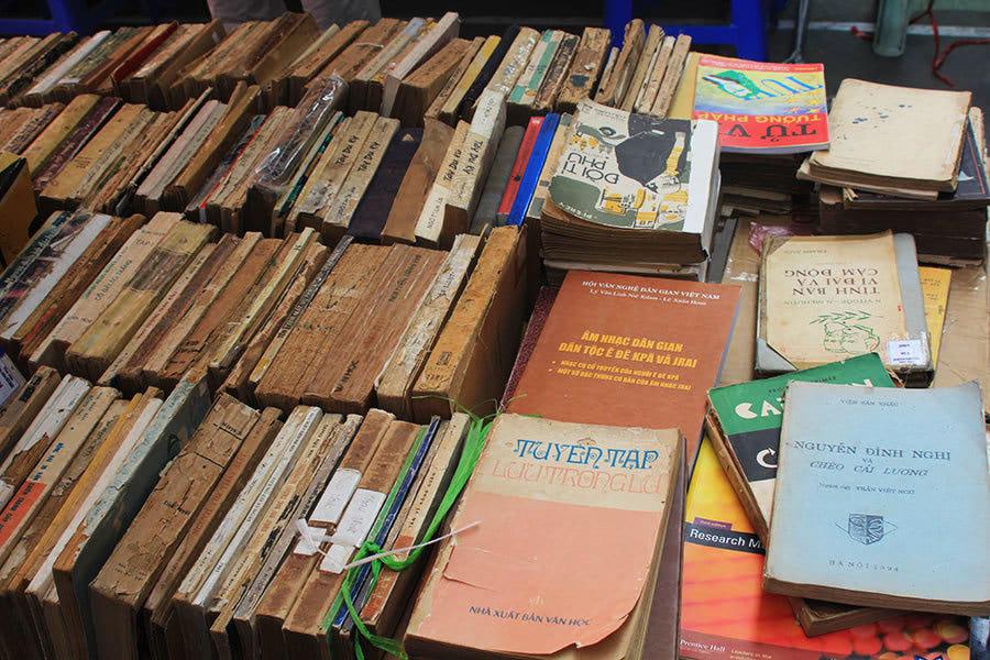 nhà sách cũ thành phố hồ chí minh