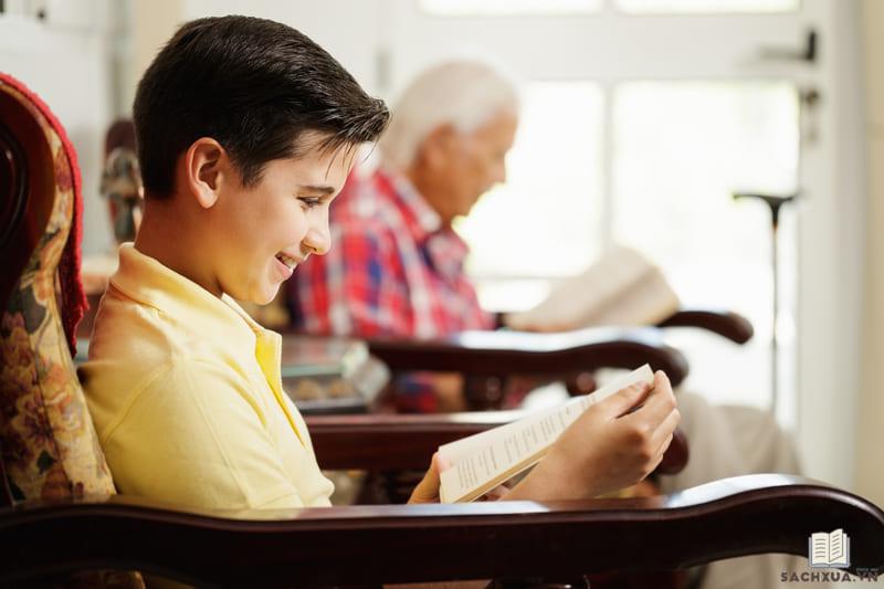 Tìm kiếm cuốn sách ưng ý trên nhiều trang khác nhau